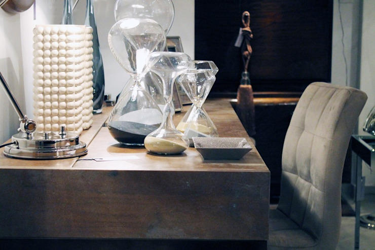 Salas modernas de Harturo Deco Moderno