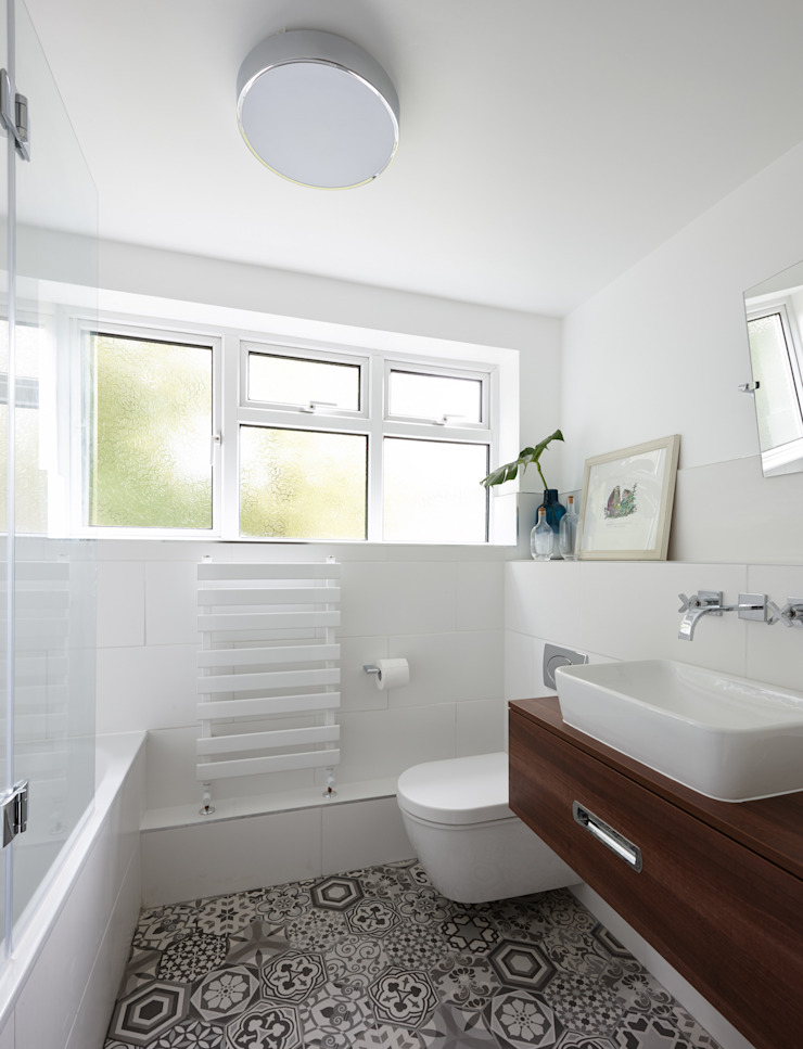 Virginia Water Apartment - Surrey Modern bathroom by Bhavin Taylor Design Modern