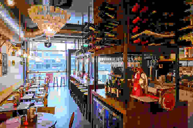 Firma Pickles | Burgers & Wines – Markthal Rotterdam Industriële gastronomie van Tubbs design Industrieel