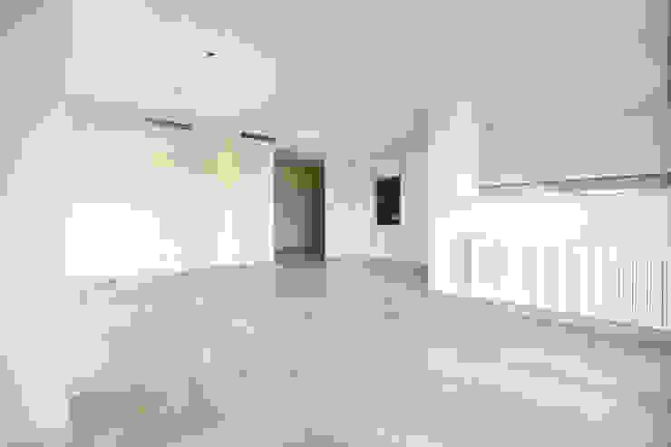 Living room Salones de estilo moderno de acertus Moderno Mármol