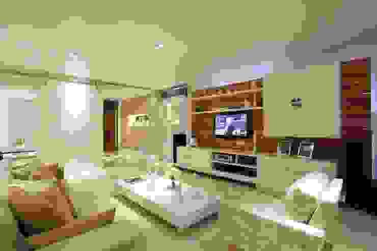 Salas / recibidores de estilo  por MJ Projetos e Consultoria Ltda,