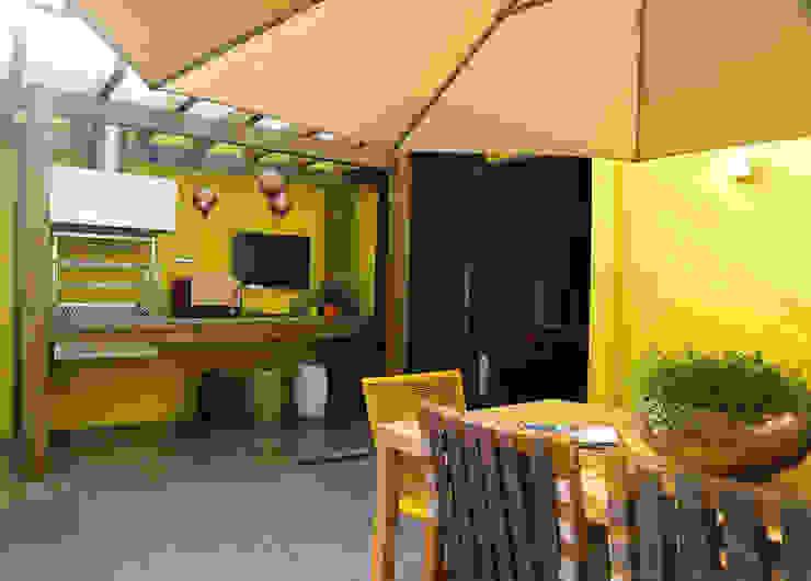 Varandas, marquises e terraços modernos por Meire Lemes Designer de Interiores Moderno