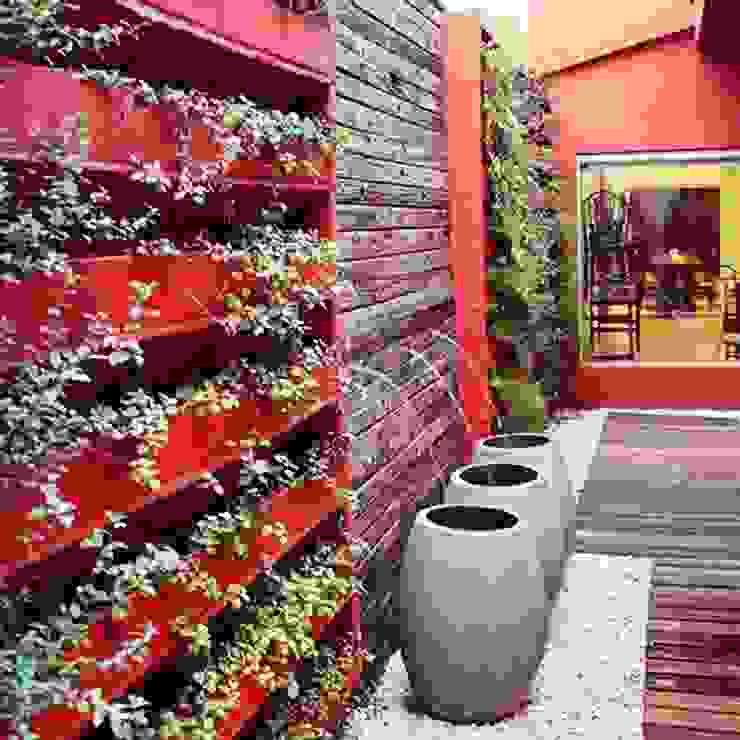 Jardines de estilo  por feltrini, Moderno