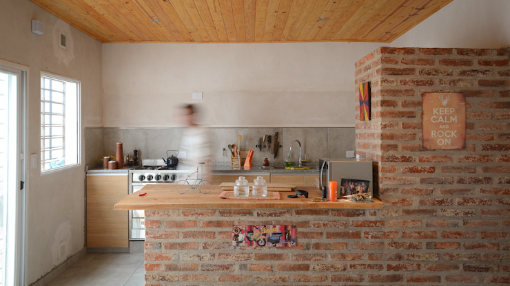Modern kitchen by ggap.arquitectura Modern