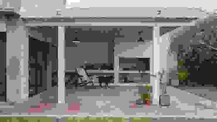 Terrazas de estilo  por ggap.arquitectura, Moderno