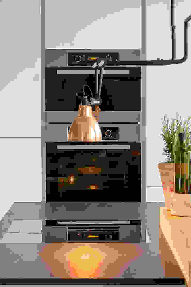 Modern Kitchen by ApM-media Modern