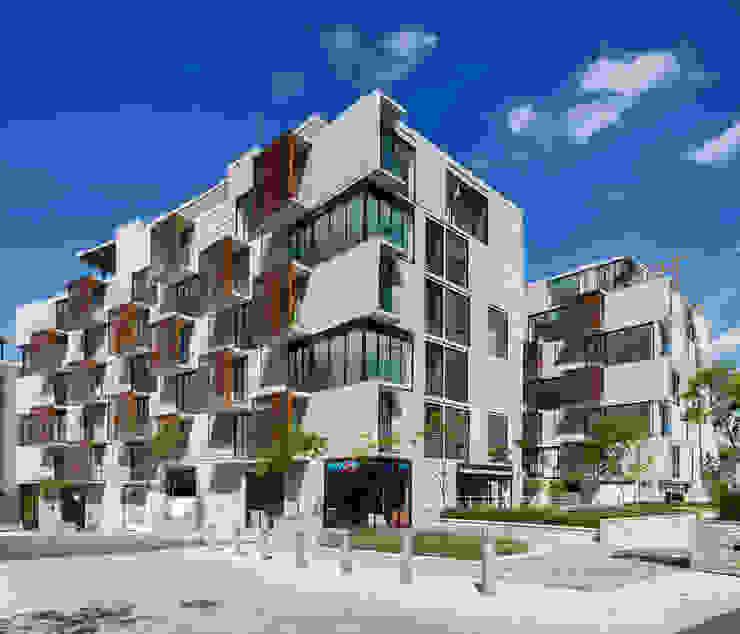 Casas de estilo moderno de Miguel de la Torre Arquitectos Moderno
