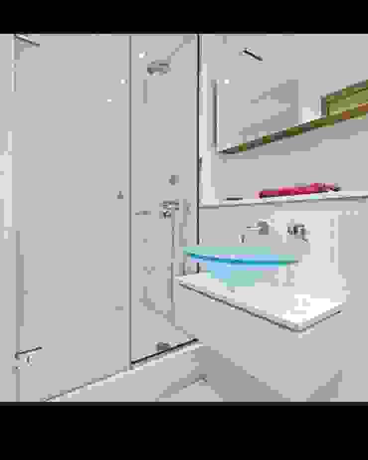 Construcciones Baños de estilo moderno de Construcciones Gomo S.A.S Moderno