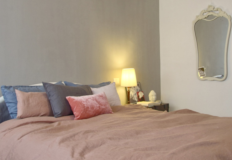 Eclectic style bedroom by Boite Maison Eclectic
