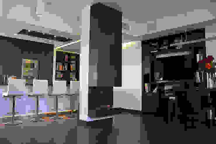 Appartamento Milano Naviglio Ingresso, Corridoio & Scale in stile moderno di DCA Studio - Davide Carelli Architetto Moderno