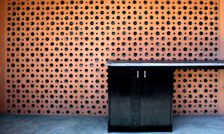 Kitchen Wall by Day Minimalist walls & floors by BETWEENLINES Minimalist