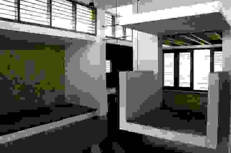 Seating Spaces Modern living room by BETWEENLINES Modern