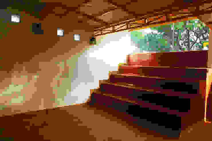 Studio Rustic style media room by BETWEENLINES Rustic