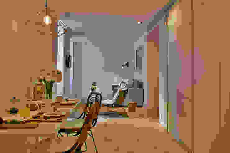 Edifício Combro 77:  industrial por Pureza Magalhães, Arquitectura e Design de Interiores,Industrial