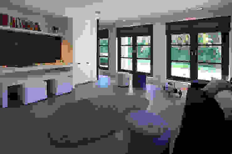 Moderner Multimedia-Raum von Designa Interieur & Architectuur BNA Modern