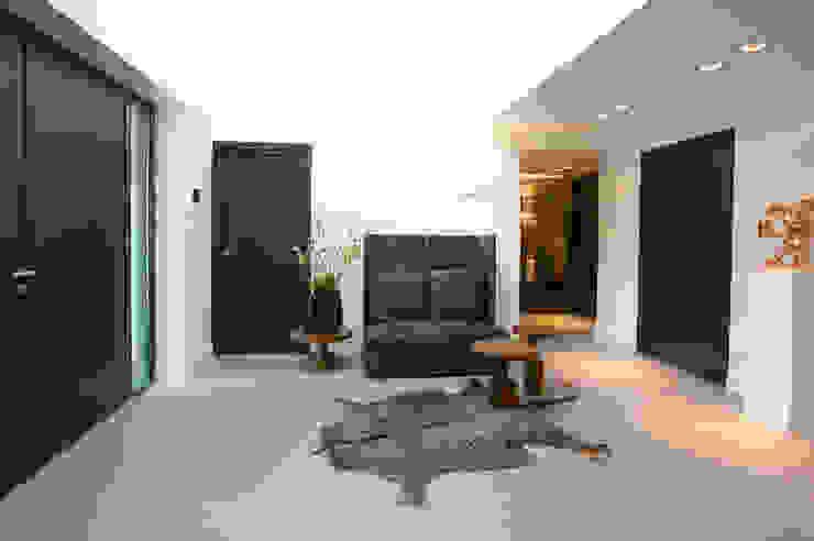 Moderner Flur, Diele & Treppenhaus von Designa Interieur & Architectuur BNA Modern