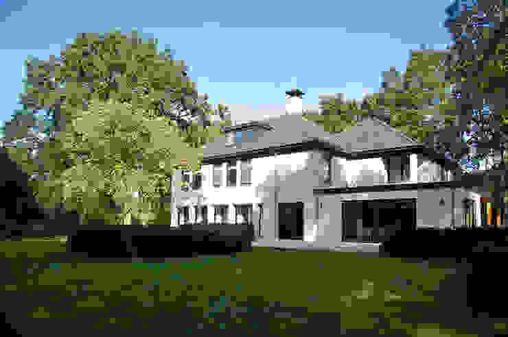 Moderne Häuser von Designa Interieur & Architectuur BNA Modern