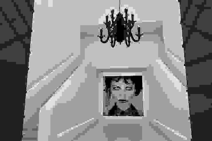 Villa Paramaribo Moderne gangen, hallen & trappenhuizen van Designa Interieur & Architectuur BNA Modern