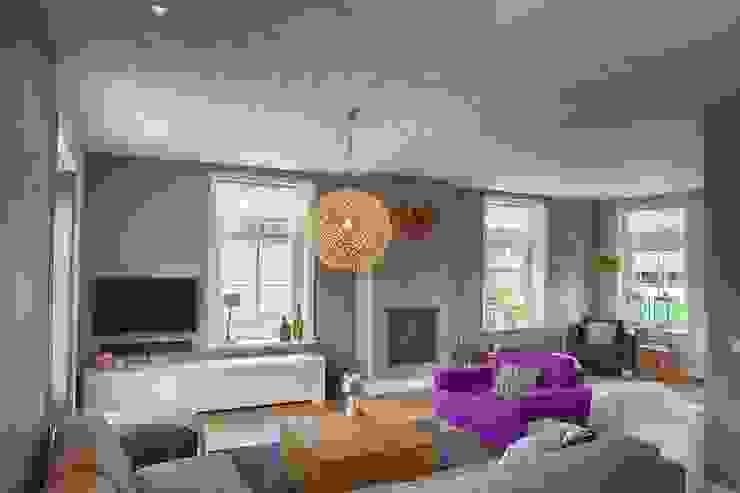 Aangenaam Interieuradvies 现代客厅設計點子、靈感 & 圖片 Grey