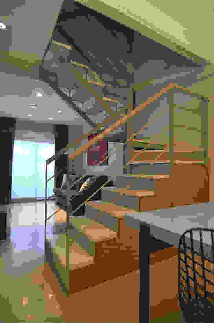 Matealbino arquitectura Modern Corridor, Hallway and Staircase