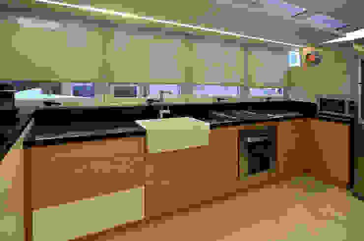 Cocinas de estilo moderno de Matealbino arquitectura Moderno