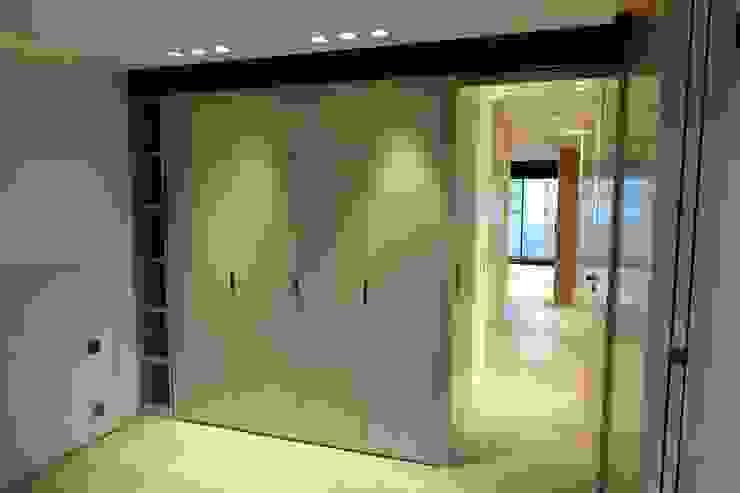 Closets de estilo  por SA2L RENOVATIONS PRIVEES