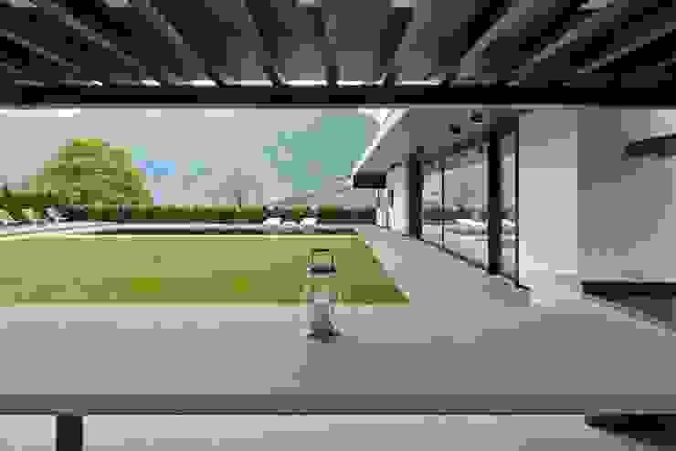 Jardines de estilo moderno de Ecologic City Garden - Paul Marie Creation Moderno