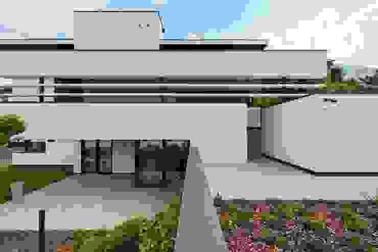 Casas de estilo moderno de Ecologic City Garden - Paul Marie Creation Moderno
