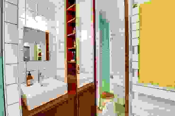 Baños de estilo escandinavo de blackStones Escandinavo Contrachapado
