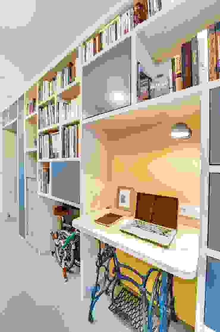 blackStones Study/office Plywood Yellow