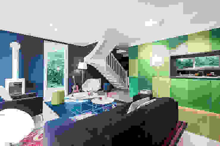 A ROOM WITH A VIEW Salon moderne par decodheure Moderne