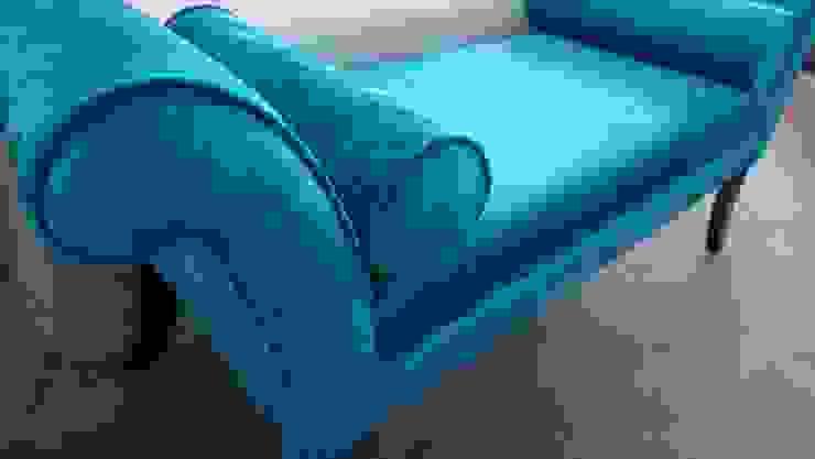 bedroom seat in aqua blue crocodile velvet Style Within Klassische Schlafzimmer Blau