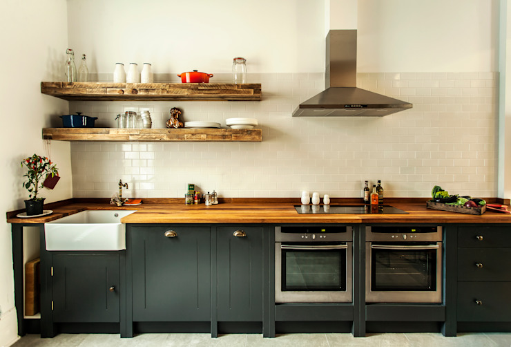 W10 Kitchen by British Standard British Standard by Plain English Rustic style kitchen Wood Black
