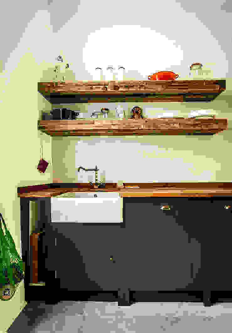 W10 Kitchen by British Standard British Standard by Plain English Cuisine rustique Bois Noir
