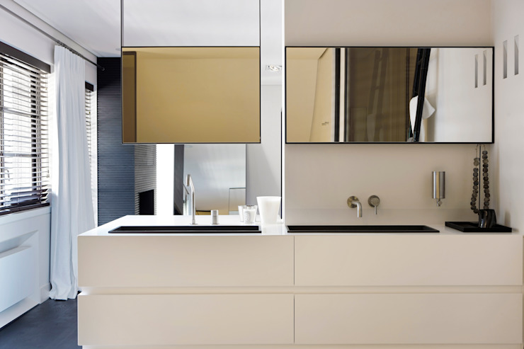 Bathroom by Grand & Johnson, Modern