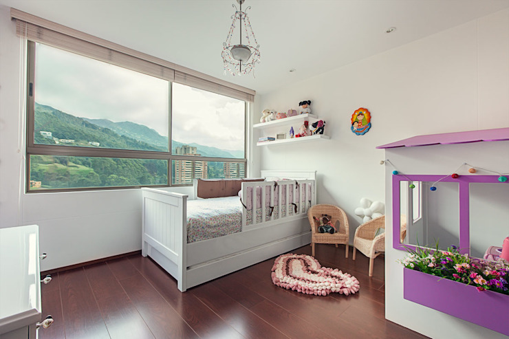 Habitación infantil de Cristina Cortés Diseño y Decoración Moderno
