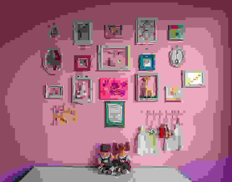 Nursery/kid's room by Cristina Cortés Diseño y Decoración