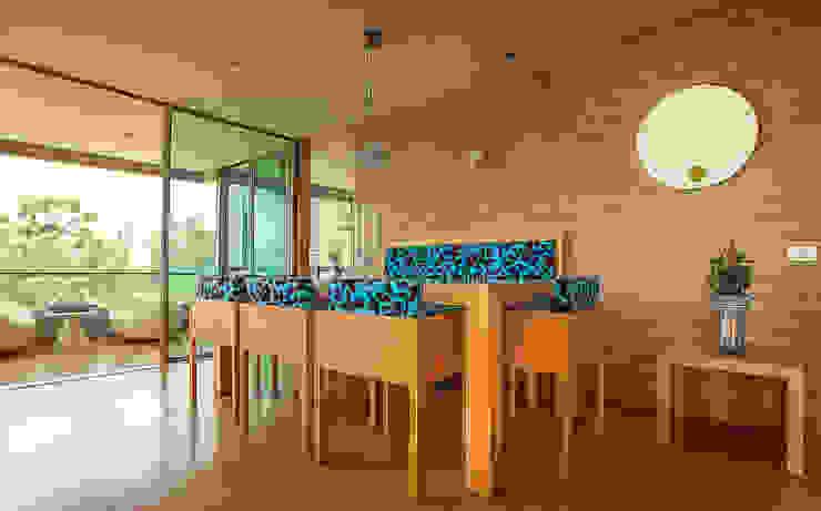 de estilo  por Cristina Cortés Diseño y Decoración , Moderno