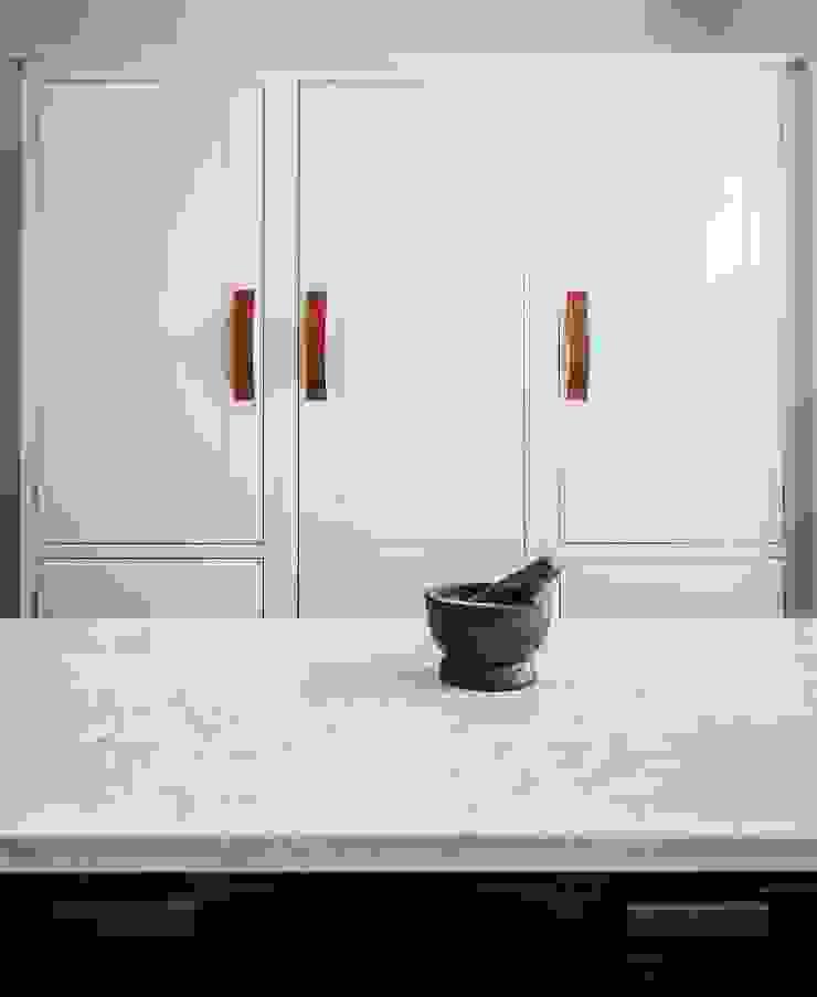 W12 Kitchen by British Standard British Standard by Plain English Кухня Дерево Білий
