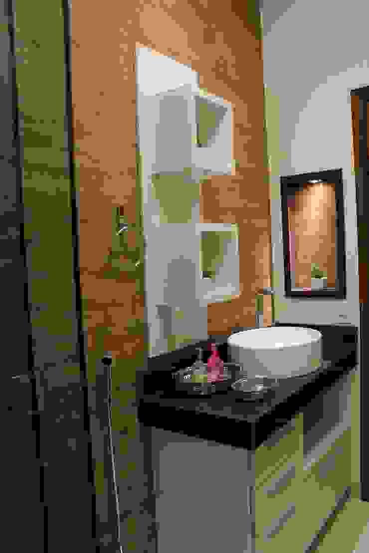 Baños de estilo rústico de Arquiteta Bianca Monteiro Rústico Cerámico