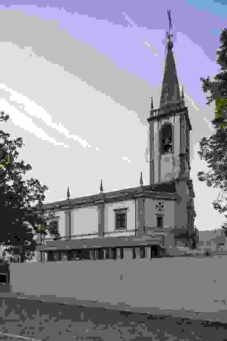 Capela Mortuária de São Tomé de Negrelos – Santo Tirso, Portugal por Ricardo Azevedo Arquitectos