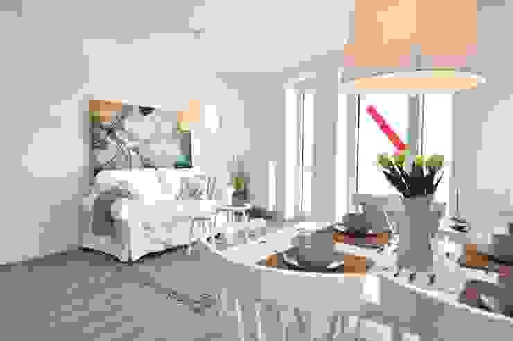 Musterwohnung an der Nordsee Skandinavische Wohnzimmer von Karin Armbrust - Home Staging Skandinavisch