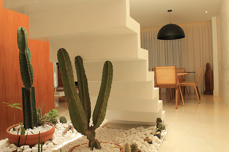 Corridor & hallway by Julia Queima Arquitetura , Modern