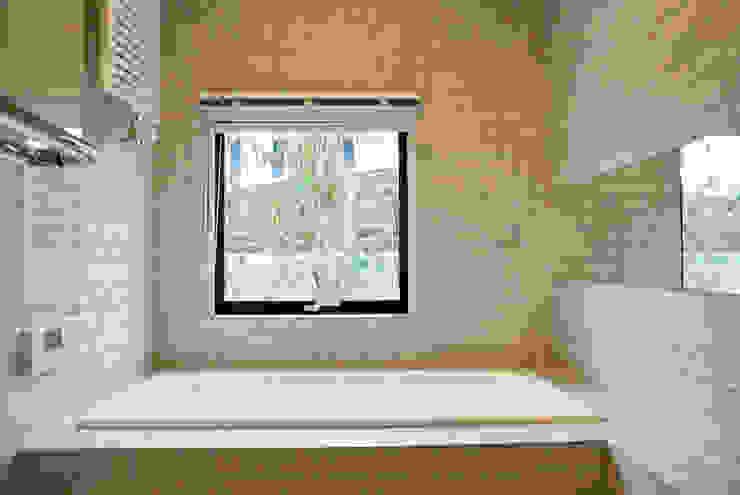 Scandinavian style bathroom by 株式会社 ヨゴホームズ Scandinavian