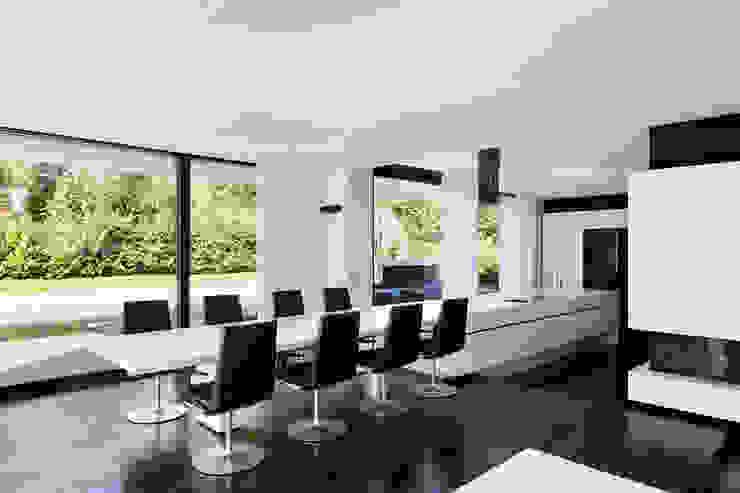 CASA MURANO Moderne Esszimmer von LEE+MIR Modern