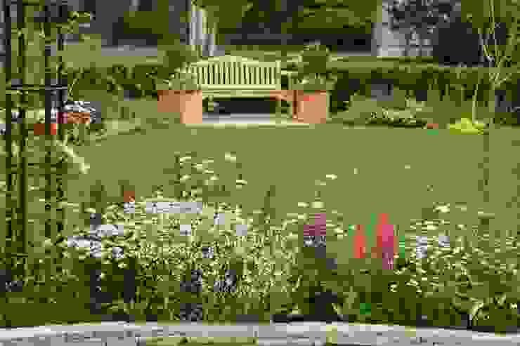Сады в . Автор – Bloom Field,