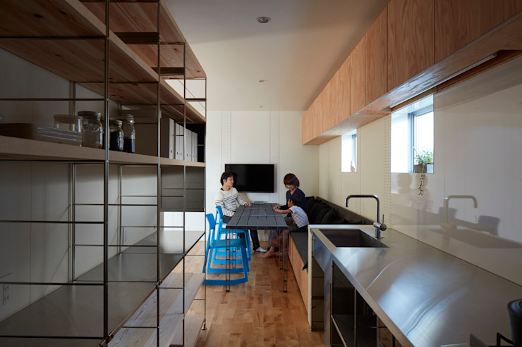 Minimalist kitchen by 小泉設計室 Minimalist