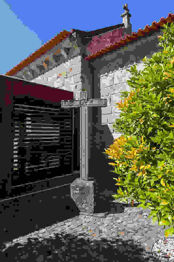 Igreja de Stº. Adrião – Vizela, Portugal por Ricardo Azevedo Arquitectos