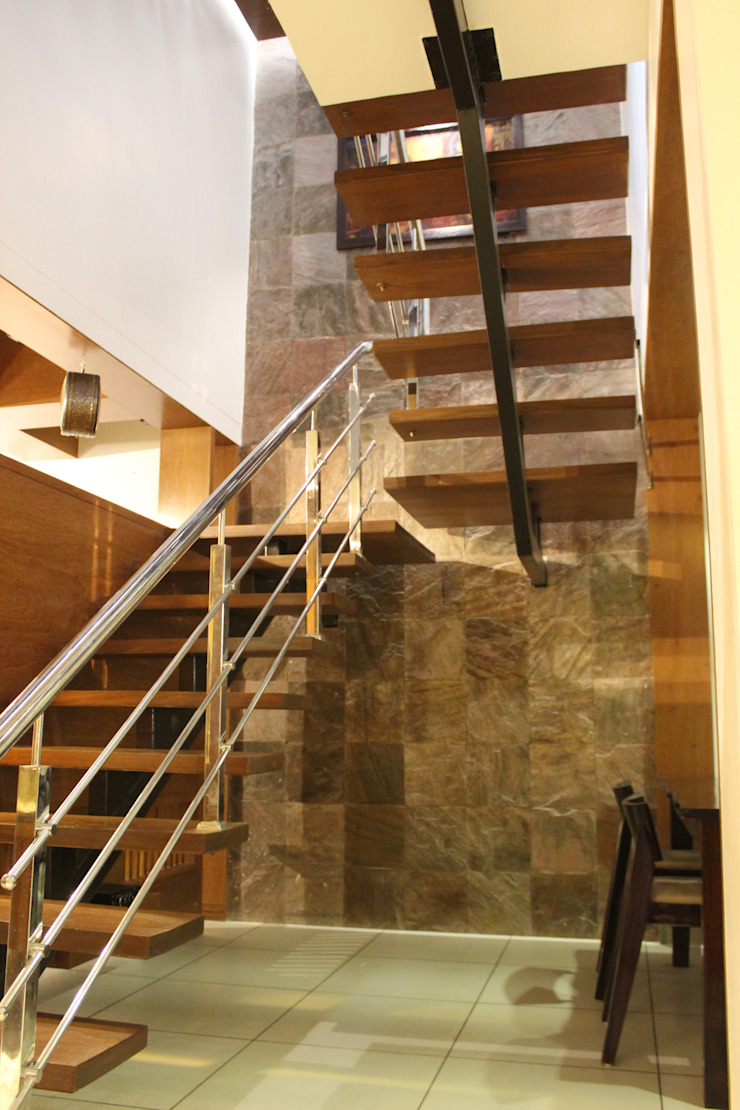 MR. NIMITBHAI DESAI RESIDENCE Rustic style corridor, hallway & stairs by INCEPT DESIGN SERVICES Rustic