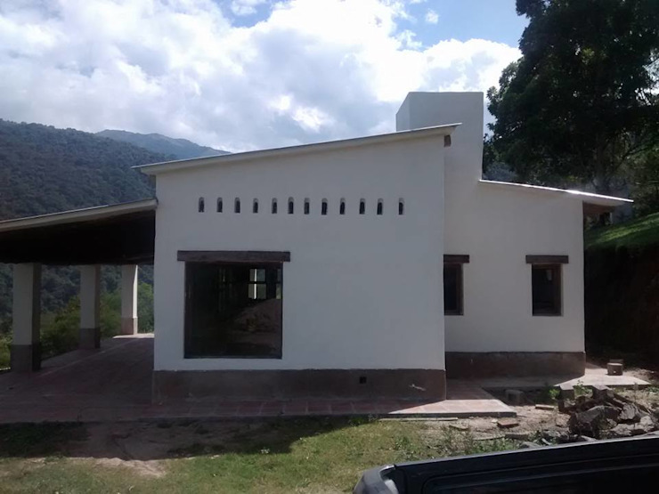 "ARQUITECTURA BIOCLIMATICA ""ECO CIMBRA"" 4 Casas rurales de FERRER||AGUIRRE ARQUITECTURA+DISEÑO+MUEBLES Rural"